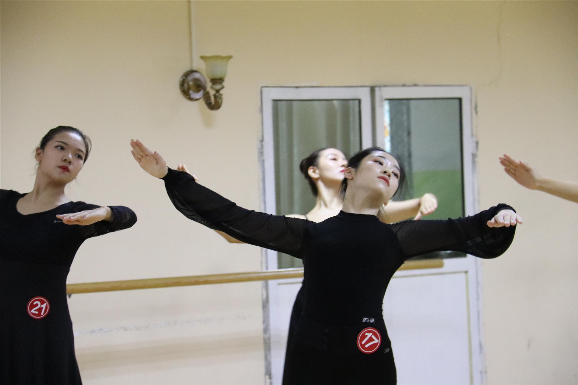 千赢体育app官方下载千赢体育官方网站:送你11条跳舞小技巧